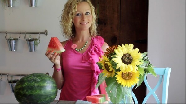 Learn how to pick a watermelon in 5 easy tips! You'll pick the best watermelon every time - super sweet and juicy!