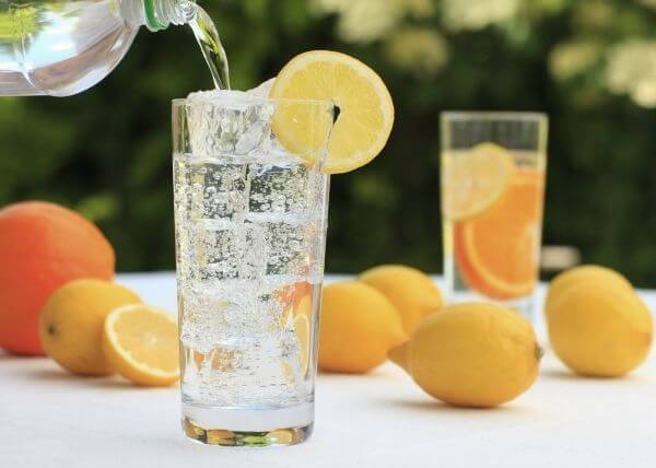 3 Healthier Alternatives to Soda -- sparkling water with citrus